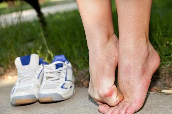 جلوگیزی از تاول پا همگام پوشیدن کفش نو
