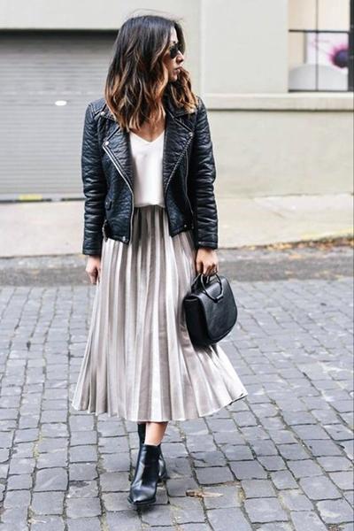 انتخاب لباس ها و دامن های بلند برای افراد ریزنقش